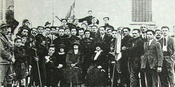 Mussolini fonda i Fasci di combattimento