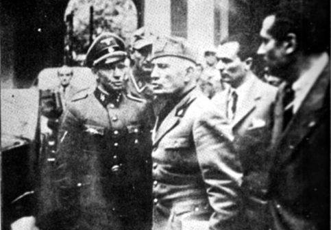 Mussolini a Milano 25 aprile 1945