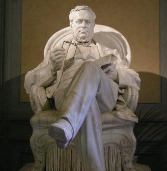 Cavour statua