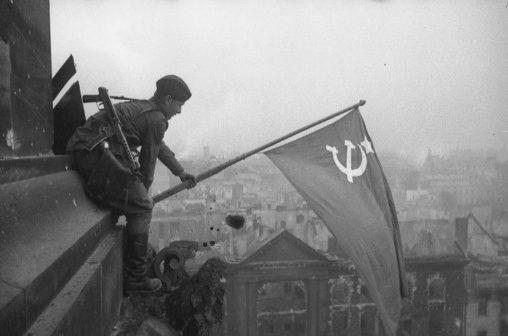 reichstag-bandiera-rossa