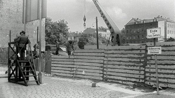 costruzione muro